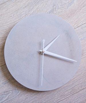 Ručne vyrobené nástenné hodiny – Pure concrete mini