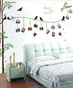 Moderná nálepka na stenu v tvare stromu s vtáčikmi na fotografie