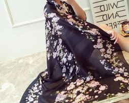 Dámsky hodvábny šál s prepracovanými kvetinami - čierny 829d9b196db
