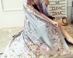 Dámsky hodvábny šál s prepracovanými kvetinami - sivý 44f5e0a4171