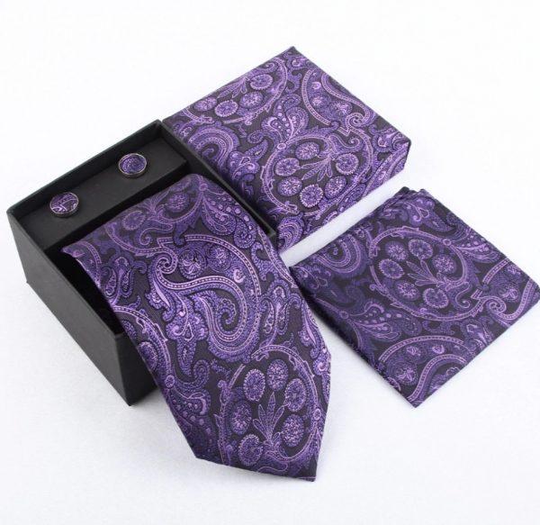 Luxusný kravatový set so vzorom vo fialovo-čiernej farbe