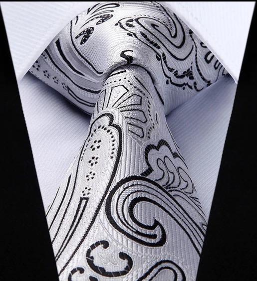 Luxusná kravatová sada - kravata a vreckovka so vzorom v sivej farbe