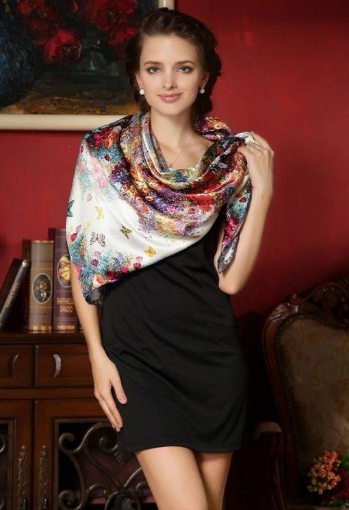 Vysoko kvalitná hodvábna šatka s kvetinami a motýľmi 110 x 110 cm