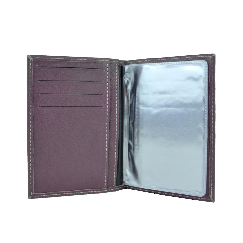 f0515424f6d11 Luxusné kožené puzdro pre doklady vo fialovej farbe · Luxusné a ...