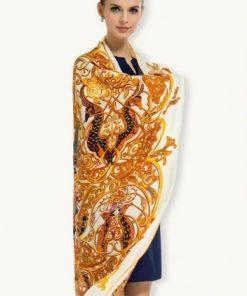Elegantná hodvábna šatka s orientálnym motívom, 130 x 130 cm