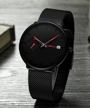 Štýlové analógové pánske hodinky v niekoľkých prevedeniach