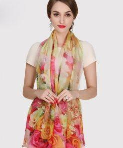Exkluzívny veľký hodvábny šál s farebnými kvetinami