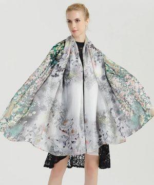 Luxusný šál zo 100% hodvábu s jemným kvetinovým vzorom