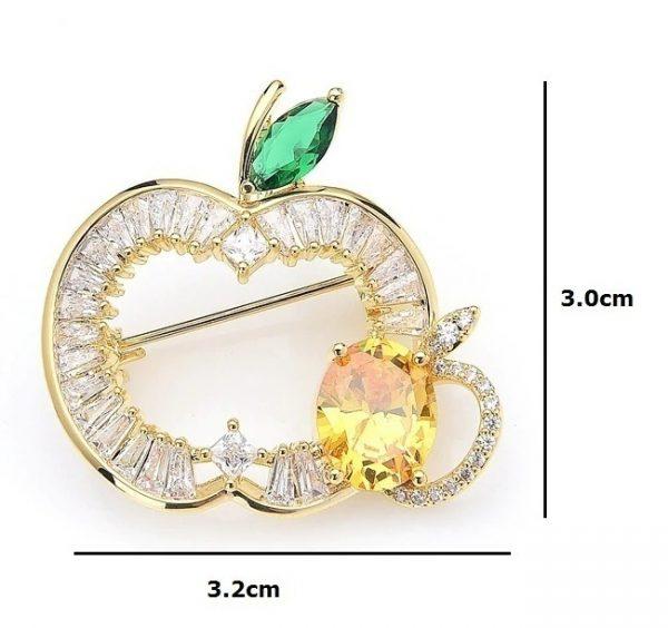 Prepracovaná smaltovaná brošňa / prívesok na krk v podobe jablka