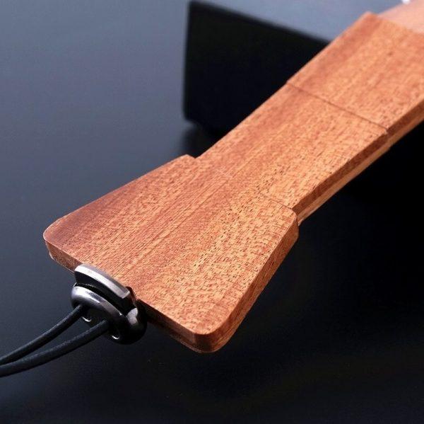 Drevená pánska kravata z prírodného dubového dreva