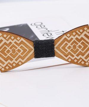 Luxusný drevený motýlik so vzorom s ľudovým motívom