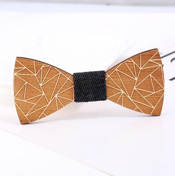Luxusný drevený motýlik so vzorom z geometrických tvarov