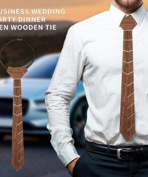Pánska drevená kravata z prírodného orechového dreva