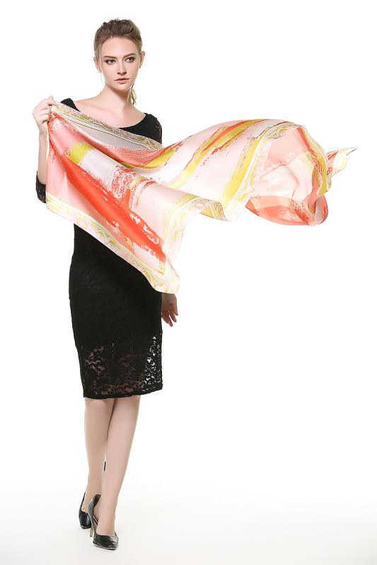 Kvalitný dámsky šál zo 100% hodvábu v modernom dizajne
