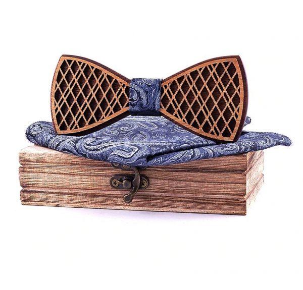 Reliéfny drevený motýlik a vreckovka v dvojfarebnom prevedení