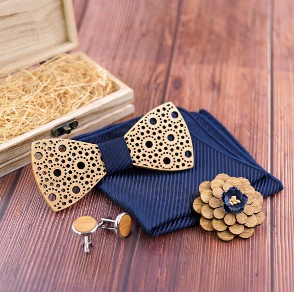 Reliéfny drevený set čipka- drevený motýlik + brošňa + manžety + vreckovka
