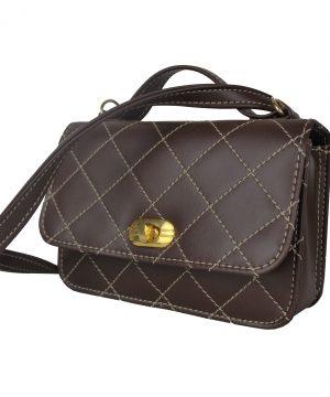 Dámska štýlová kabelka crossbody 8679 v hnedej farbe.