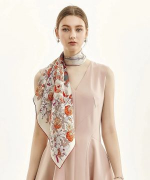 Luxusná dámska šatka z kvalitného hodvábu s pomarančovo-červeným motívom