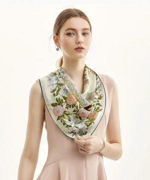 Luxusná dámska šatka z kvalitného hodvábu s pomarančovo-zeleným motívom
