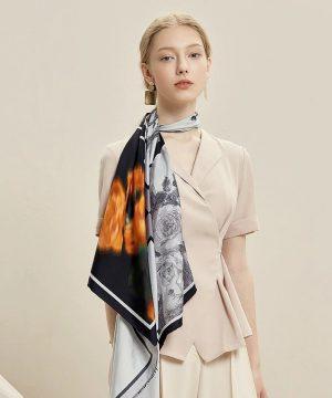 Vysoko kvalitná hodvábna šatka s luxusným motívom Paríž