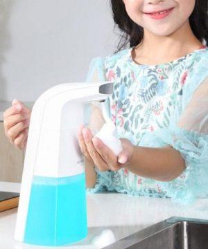 Automatický dávkovač mydla a gélu s objemom 300 ml