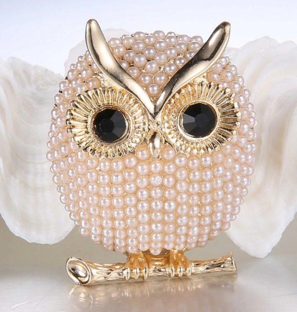 Luxusná brošňa s perličkami v tvare sovičky - zlatá