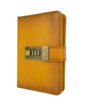 Kožený zápisník MINI ručne tieňovaný s číselným zámkom v žltej farbe
