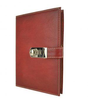 Kožený zápisník XXL ručne tieňovaný s číselným zámkom v červenej farbe