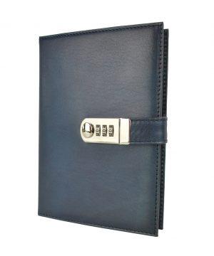 Kožený zápisník XXL ručne tieňovaný s číselným zámkom v tmavo modrej farbe