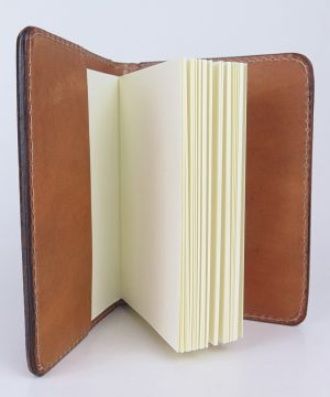Ručne vytvarovaný, vyrezávaný a reliéfny kožený zápisník - Vlk