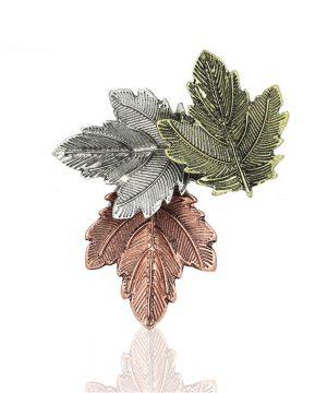 Dekoračná brošňa v podobe troch farebných listov