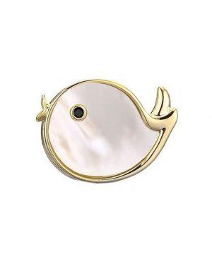 Luxusná brošňa v podobe zlatej rybky s magnetickým uchytením