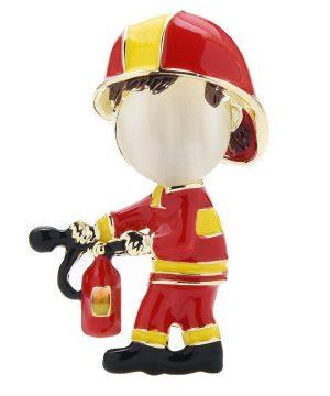 Luxusná smaltovaná dekoračná brošňa v podobe hasiča