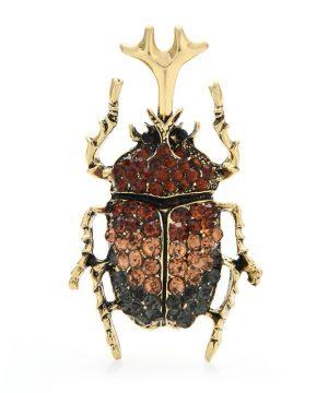 Luxusná dekoračná brošňa v podobe scarabeusa s kryštálikmi