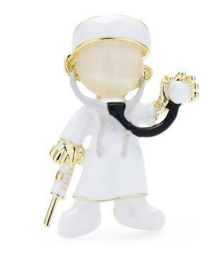 Luxusná smaltovaná brošňa v podobe vyšetrujúceho doktora v bielej farbe